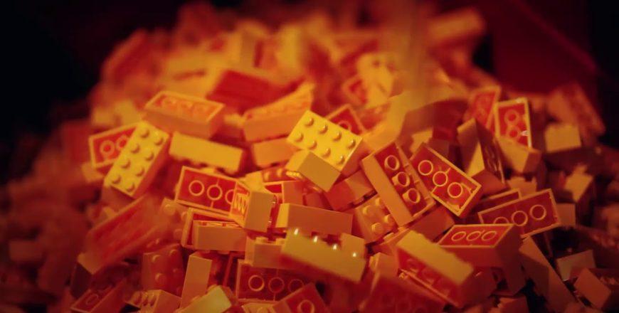 Making of sur la fabrication des briques LEGO